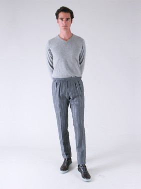 BZV3 WITH TWO FRENCH PLEATS AND SIDE BUCKLE IN LINED FLANNEL - TENNIS STRIPE ON PEARL GREY BACKGROUND