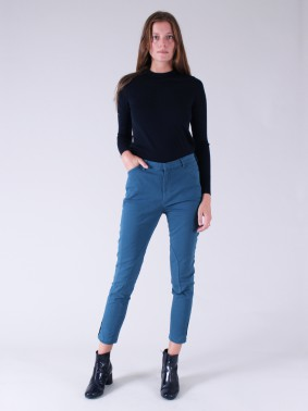 HORSE IN CHINO CHIC 96838 - NORDIC BLUE